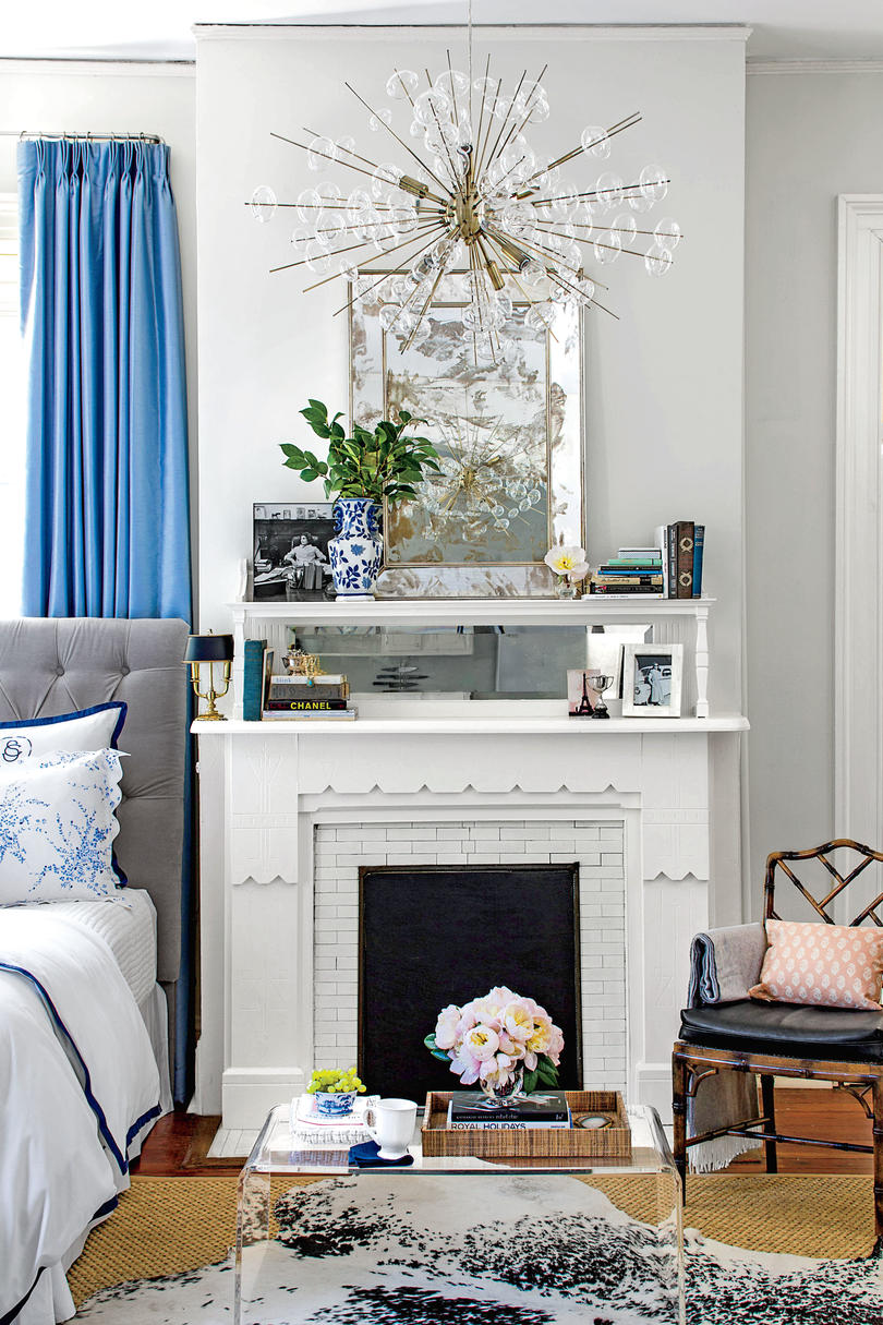 50 best small space decorating tricks we learned in 2016 two tiered fireplace mantle