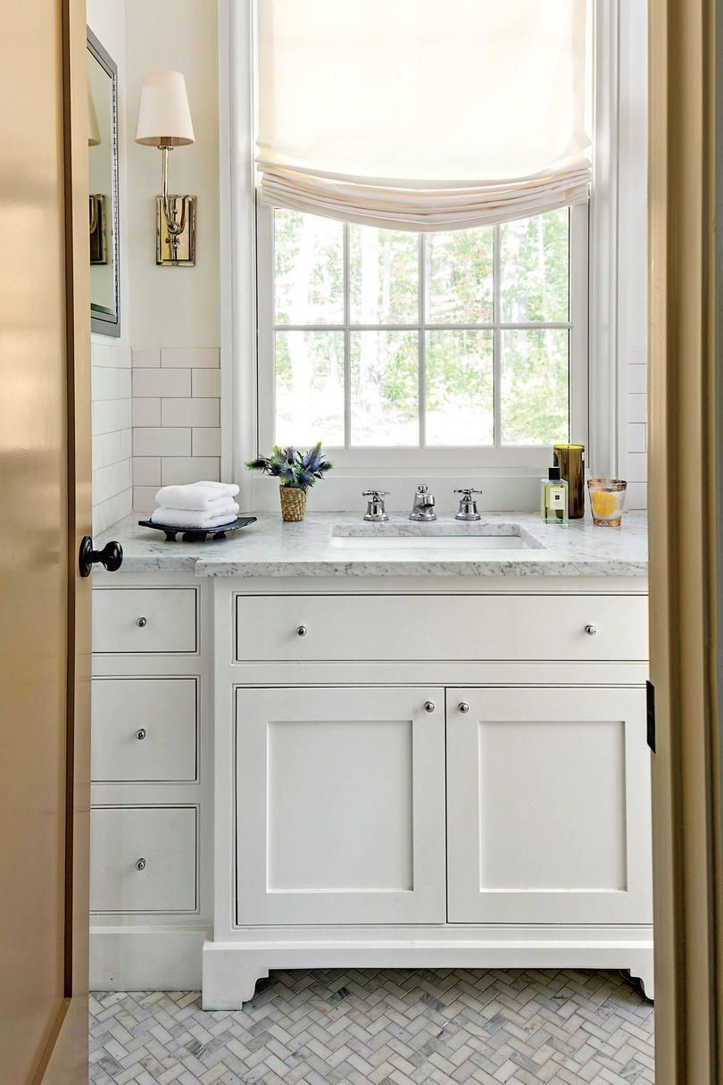 Small space decorating tricks southern living - Bathroom ideas photo gallery small spaces ...