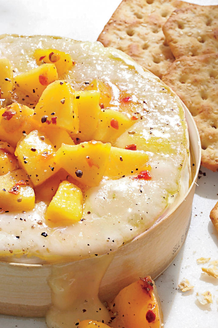 Golden Globe Appetizers Baked Brie with Jezebel Peaches