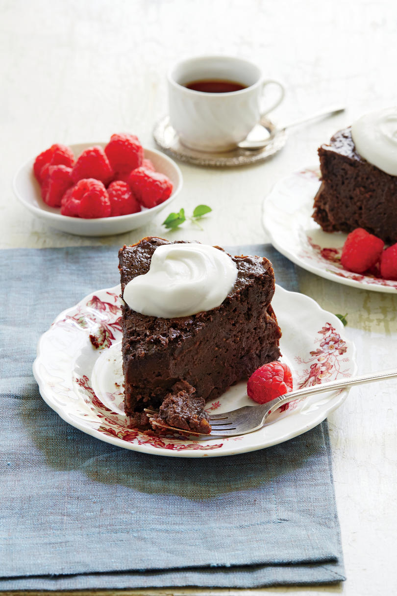 RX1709_ Thanksgiving Slow-Cooker Recipes Chocolate-Cinnamon Latte Cake