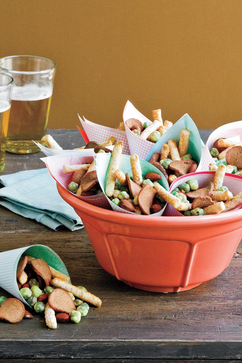 Golden Globe Appetizers Easy Party Snack Mix