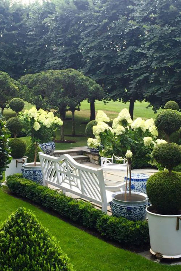 17 Dreamy Hydrangea Gardens That Are Giving Us Major