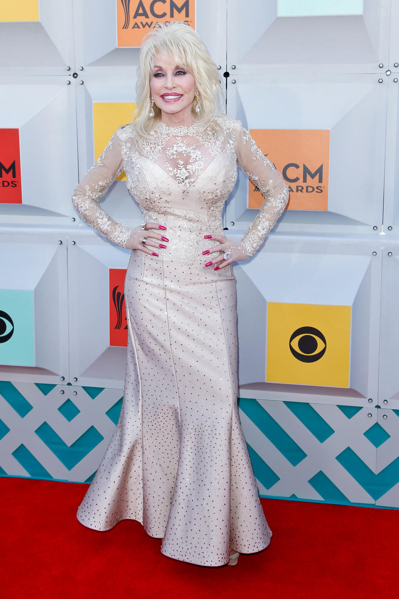 2016: Academy of Country Music Awards Red Carpet