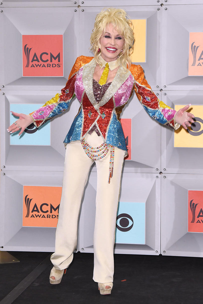 Dolly Parton Red Carpet 2016 performance