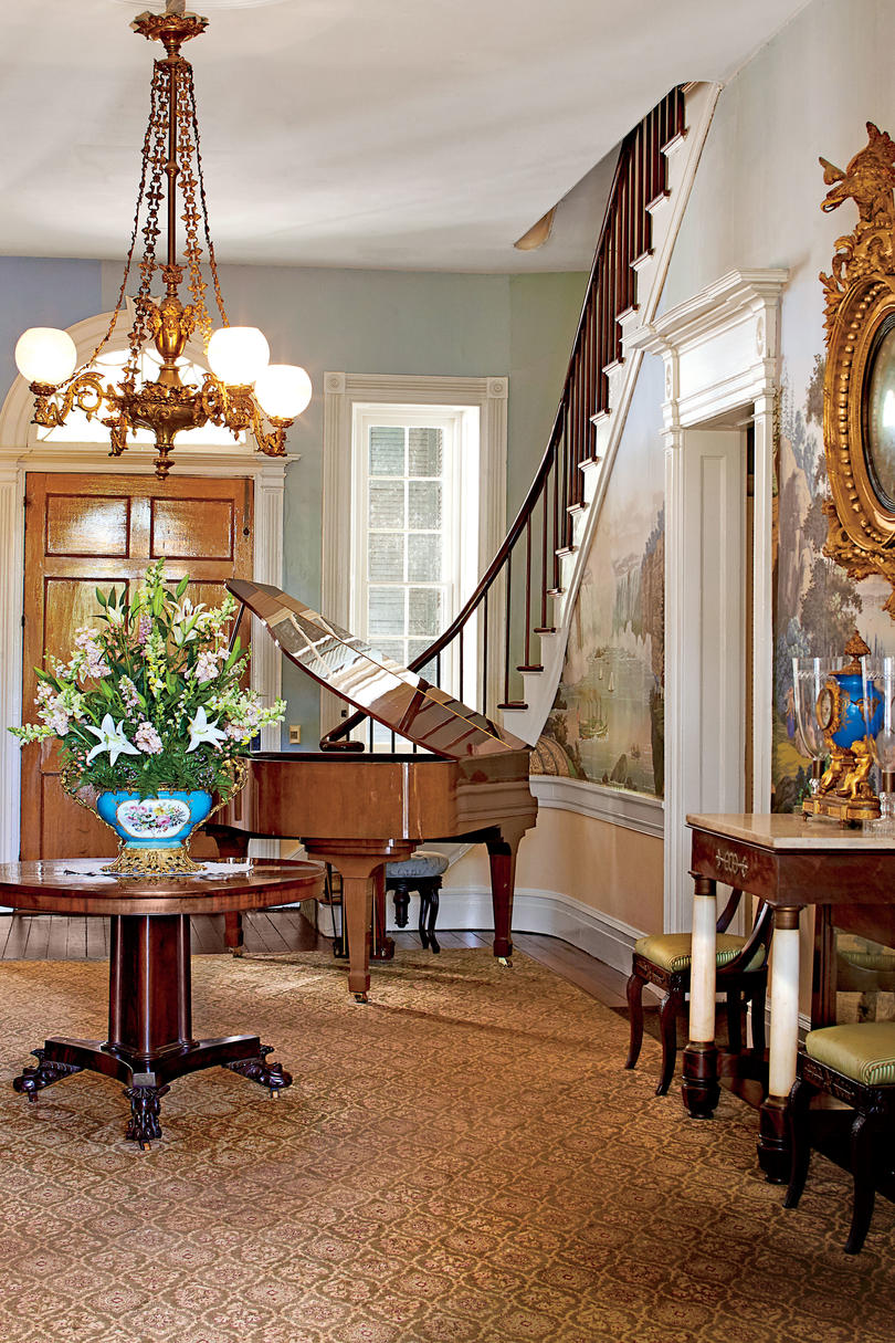 Monmouth Historic Inn and Gardens (Southern Living Hotel Collection) in Natchez, Mississippi