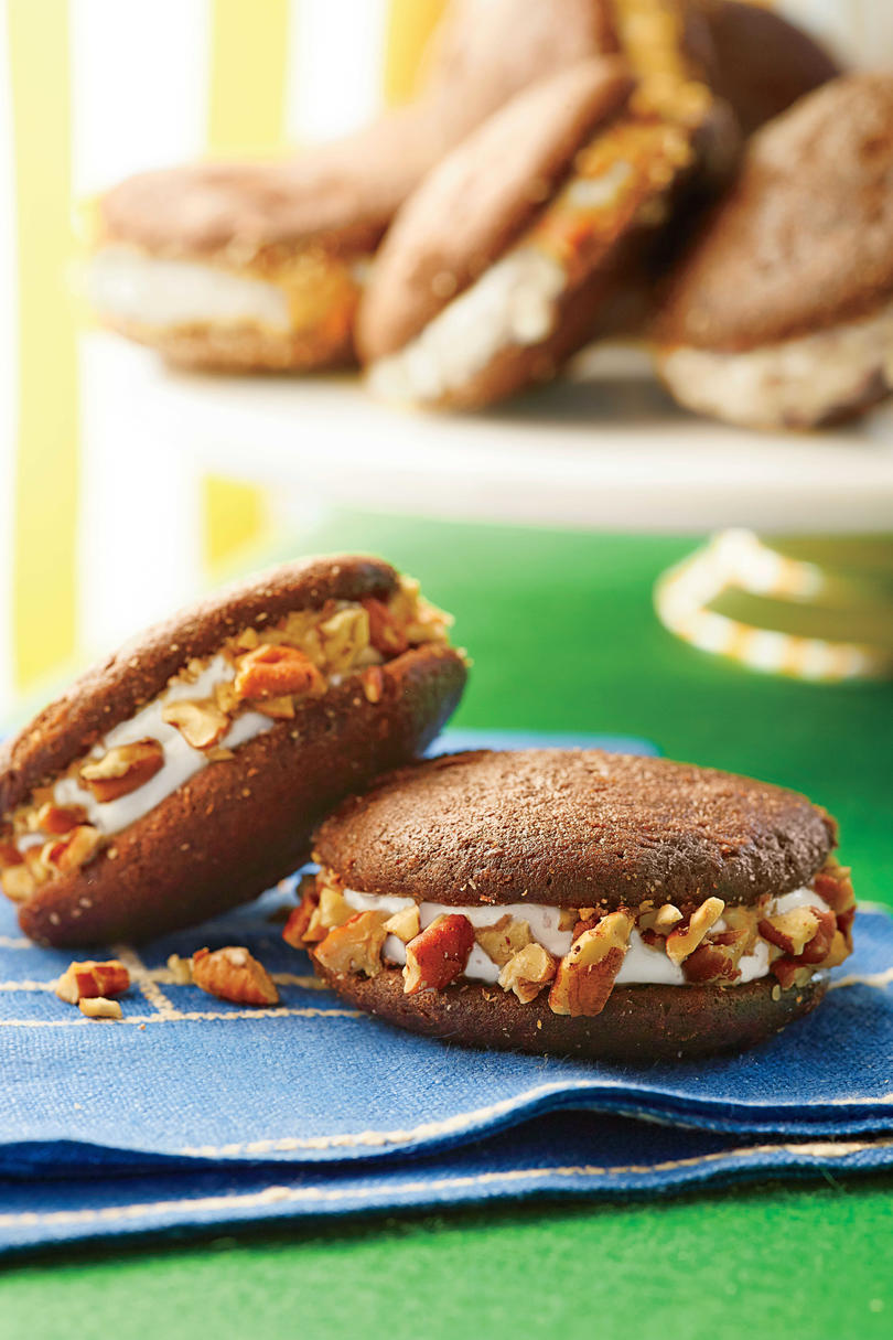 Whiskey Whoopie Pies