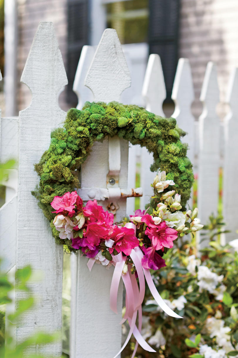 Welcome with a Wreath
