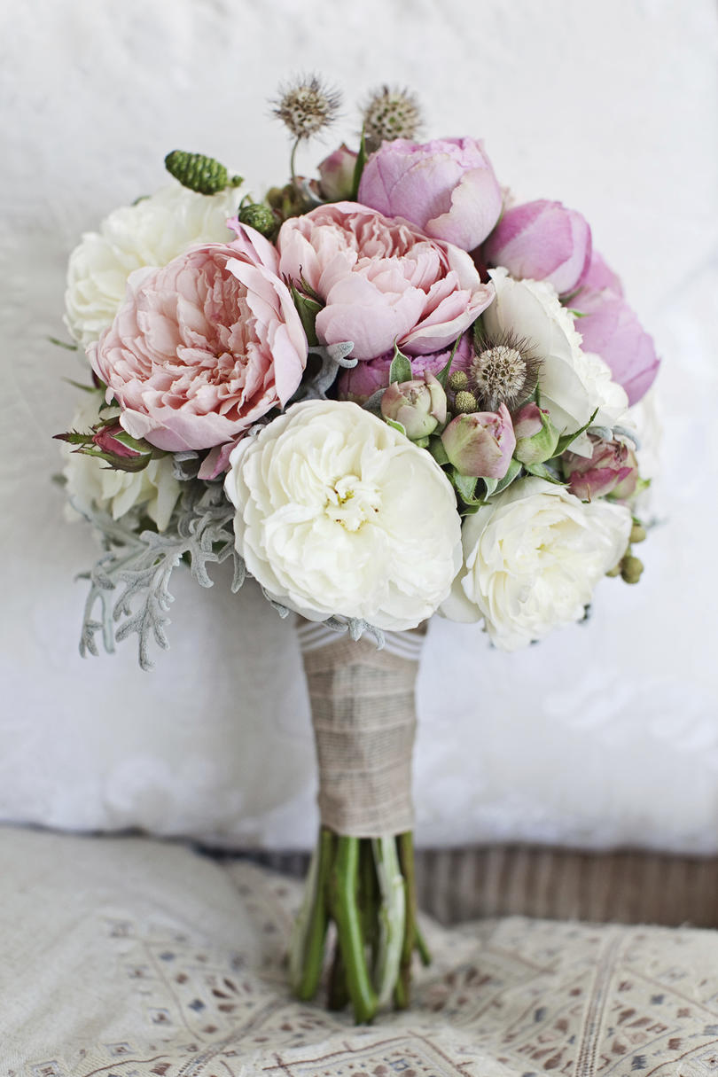 The prettiest peony wedding bouquets southern living peony wedding bouquets rustic izmirmasajfo