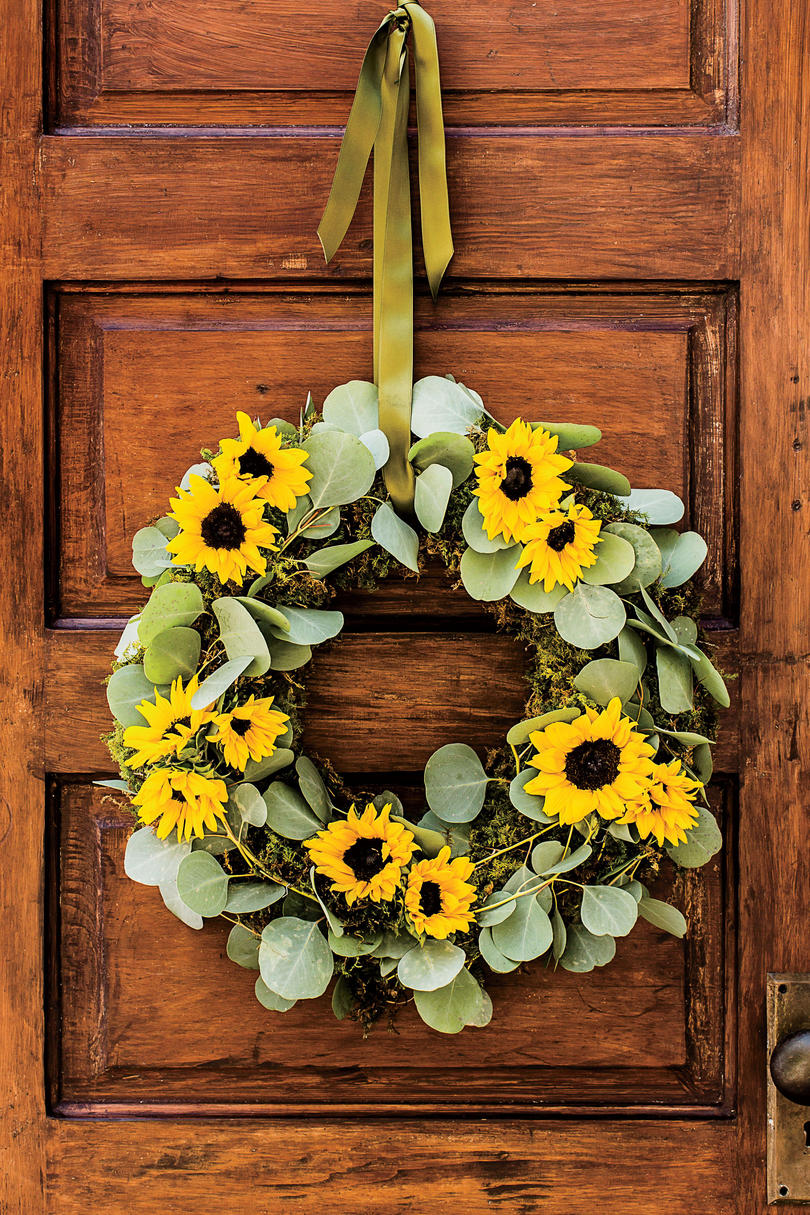 Our Easy Sunflower Wreath