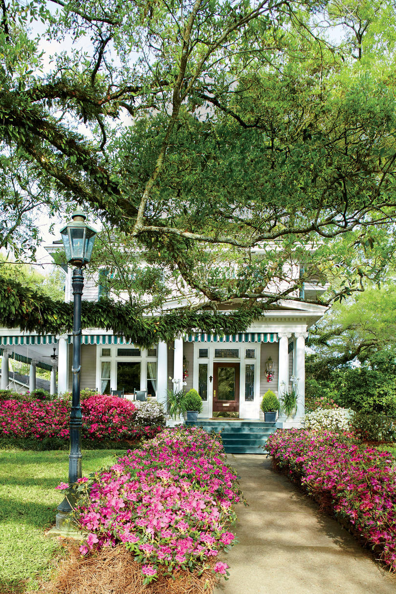 21 Gardens That Have Us Itching For Spring Southern Living