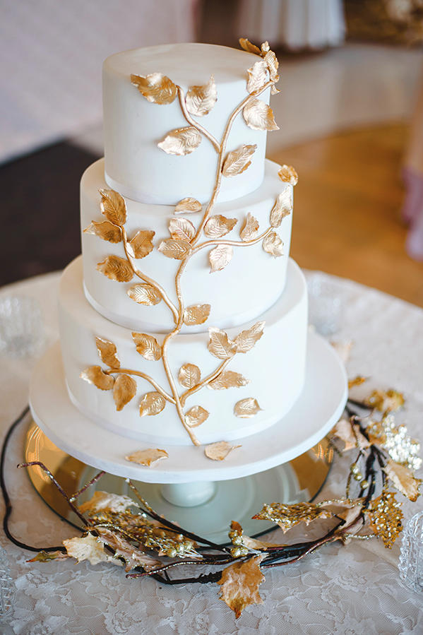 edible gold leaf wedding cake gorgeous fall wedding cakes we re drooling southern 13906
