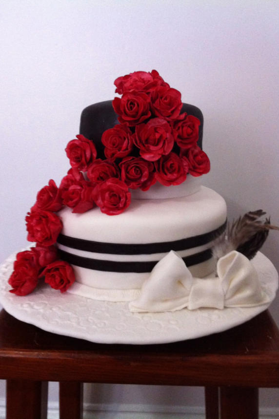 Run for the Roses Cake