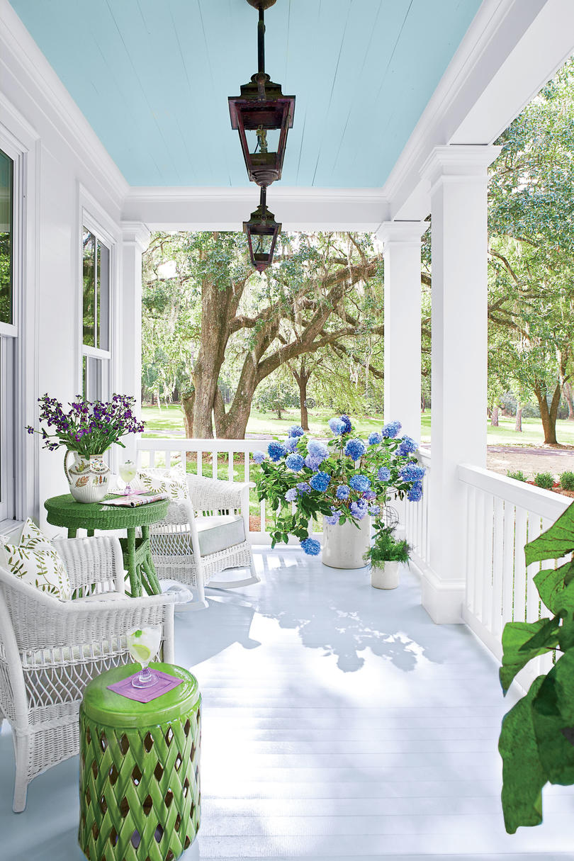 Prettiest Porch on the Block