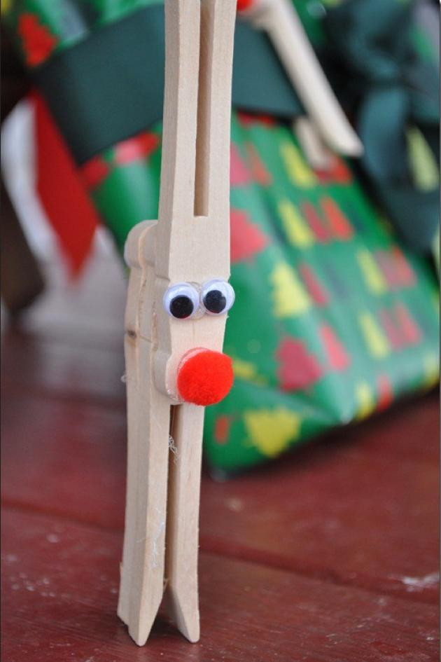 RX_1705_DIY Kids Christmas Crafts_Clothespin Reindeer