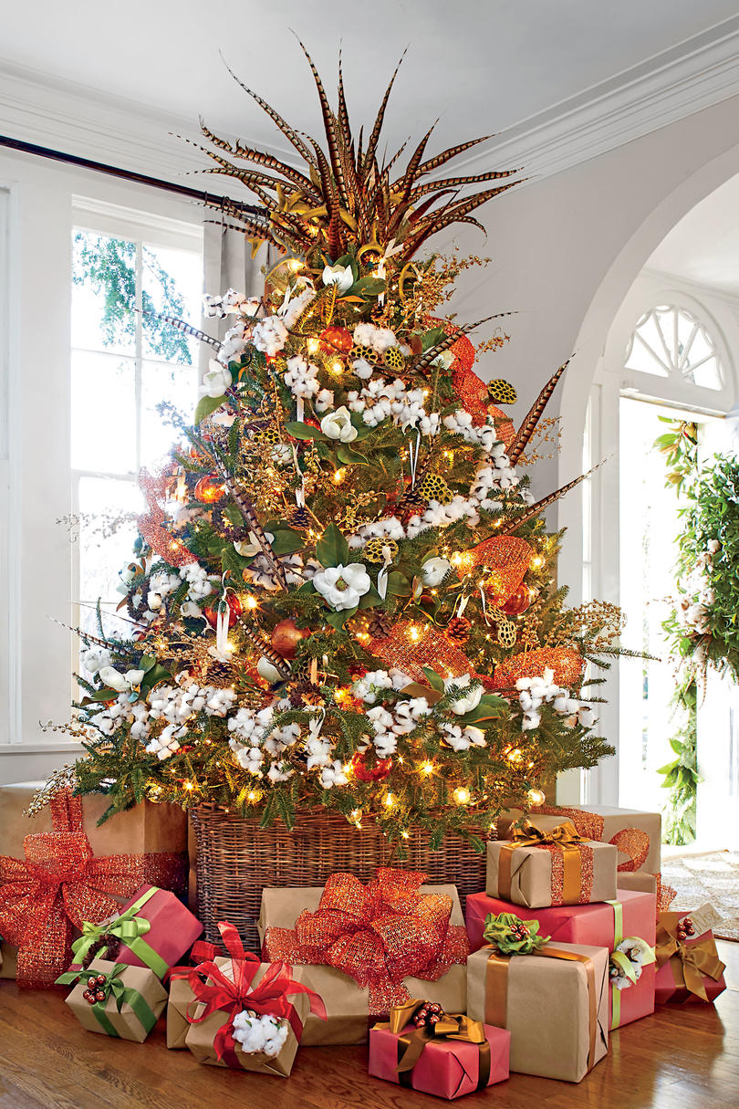 New ideas for christmas tree garland southern living How to decorate a christmas tree without tinsel