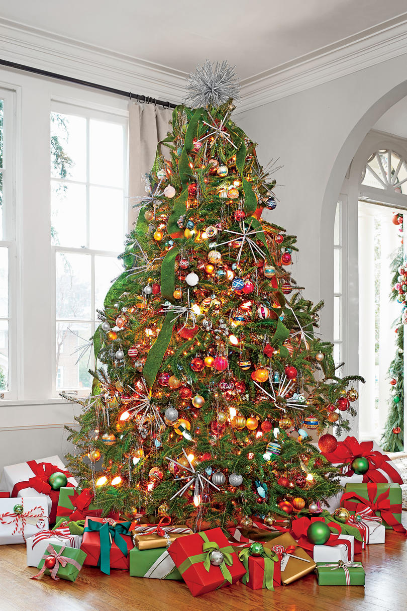 New Ideas For Christmas Tree Garland Southern Living