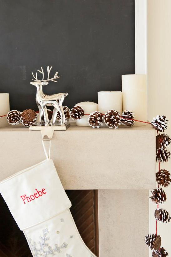 Holiday Pinecone Garland