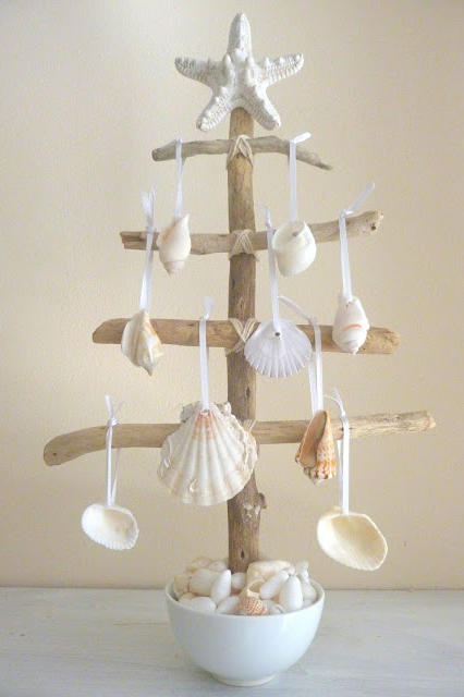 Beachy Mini Christmas Tree