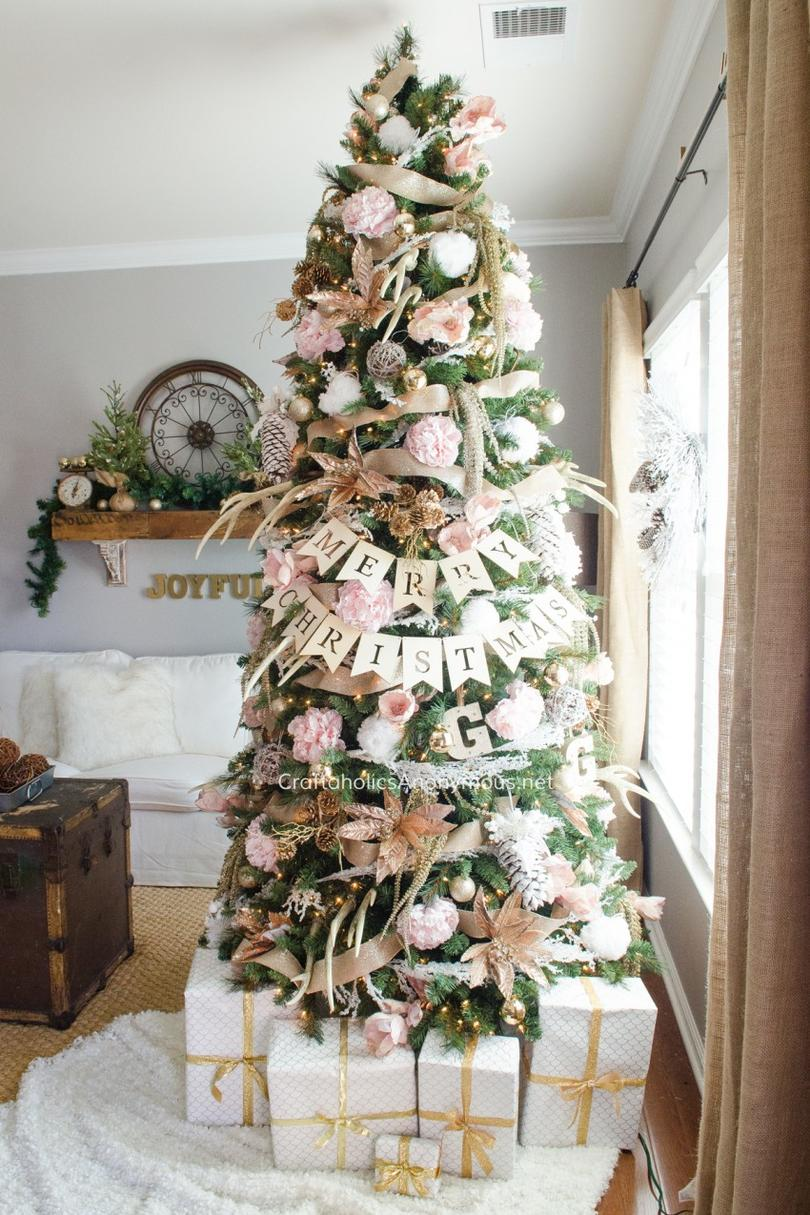 9 Dreamy Pink Christmas Tree Decor Ideas