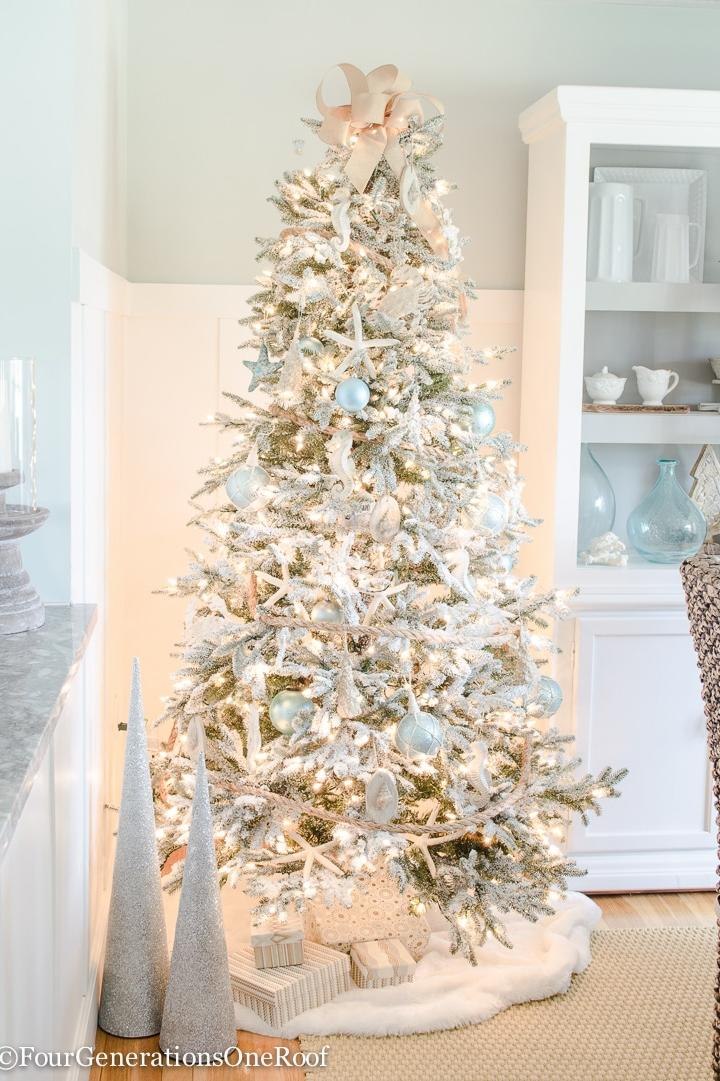 Christmas Tree Themes For Any Style Southern Living