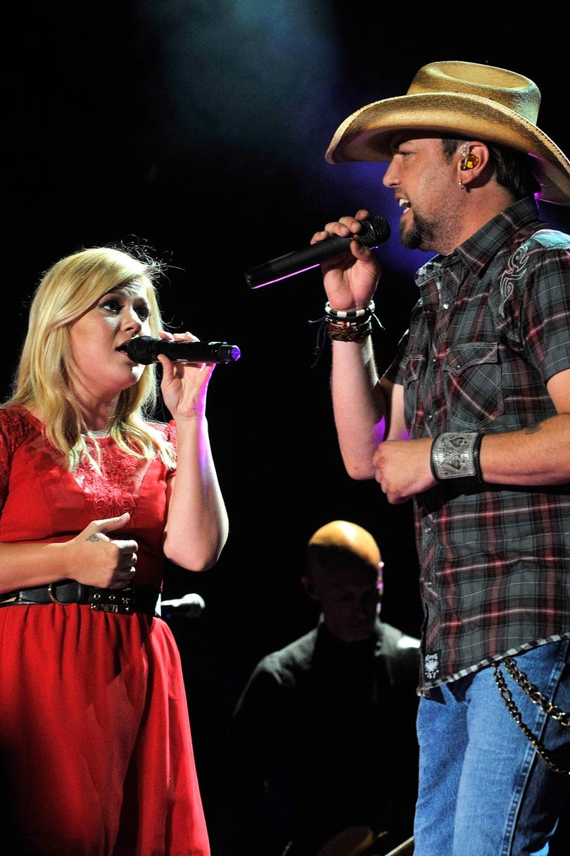 Unforgettable Country Music Duets Jason Aldean and Kelly Clarkson