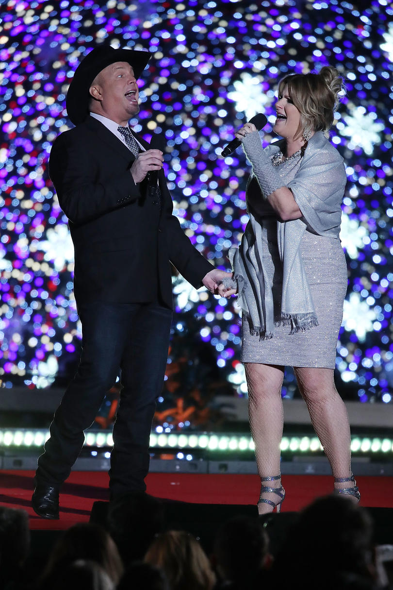 Unforgettable Country Music Duets Garth Brooks and Trisha Yearwood