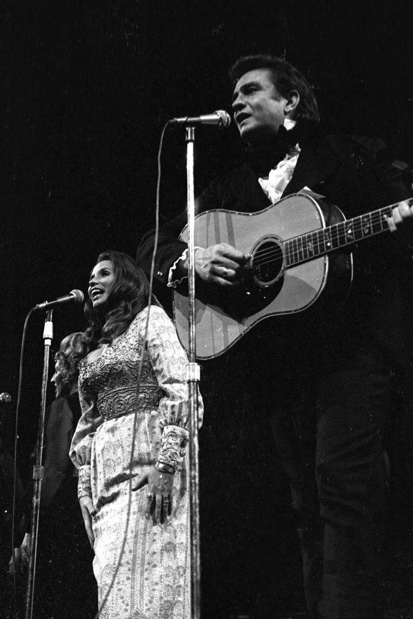 """Jackson"" Johnny Cash and June Carter, 1967"