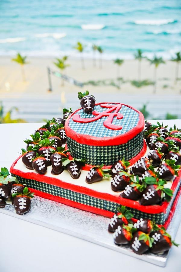 Over the top grooms cakes for true sec fans southern living university of alabama grooms cake junglespirit Images