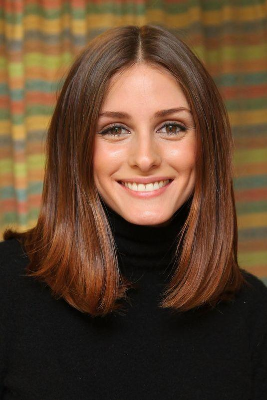 For Straight Hair: Blunt Lob