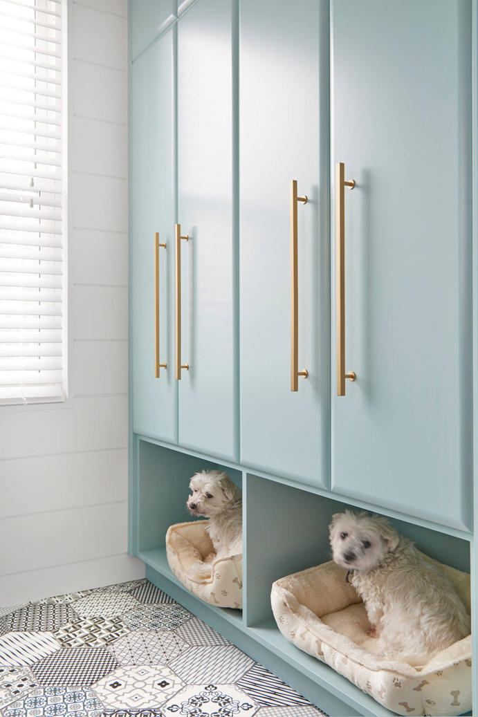 15 Mudroom Ideas We Re Obsessed With Or Give Your Dog A Place To Rest