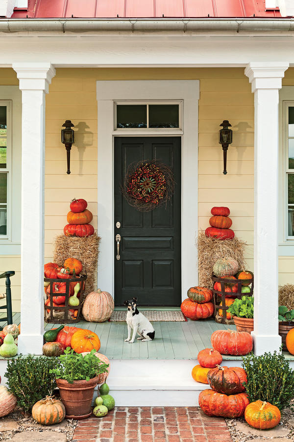 16 ways to spice up your porch d cor for fall southern - Fall front porch ideas ...