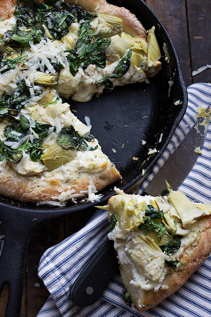 25 Skillet Pizzas Spinach and Artichoke Skillet Pizza