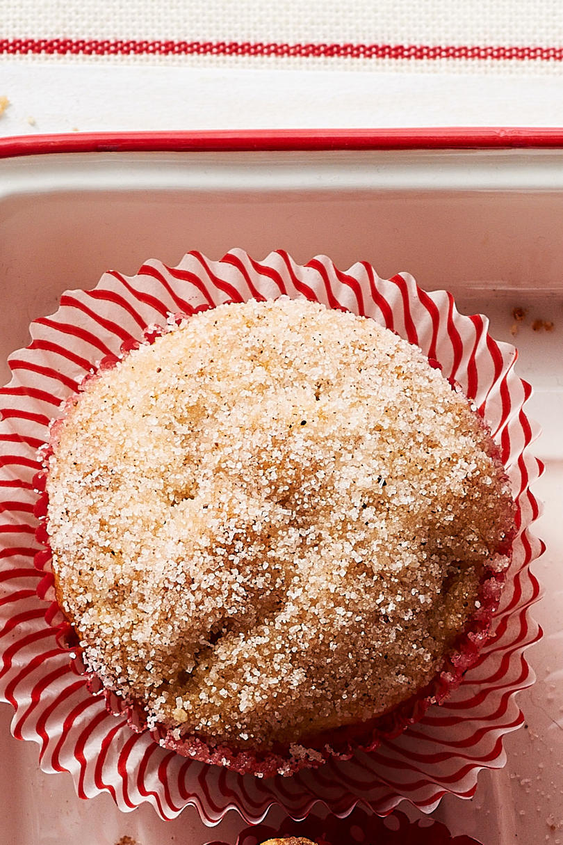 Sugar-and-Spice Apple Muffins