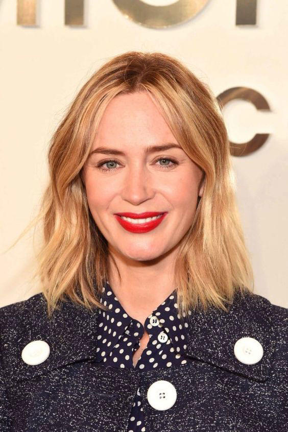 The best short hairstyles for oval faces southern living blunt lob winobraniefo Image collections