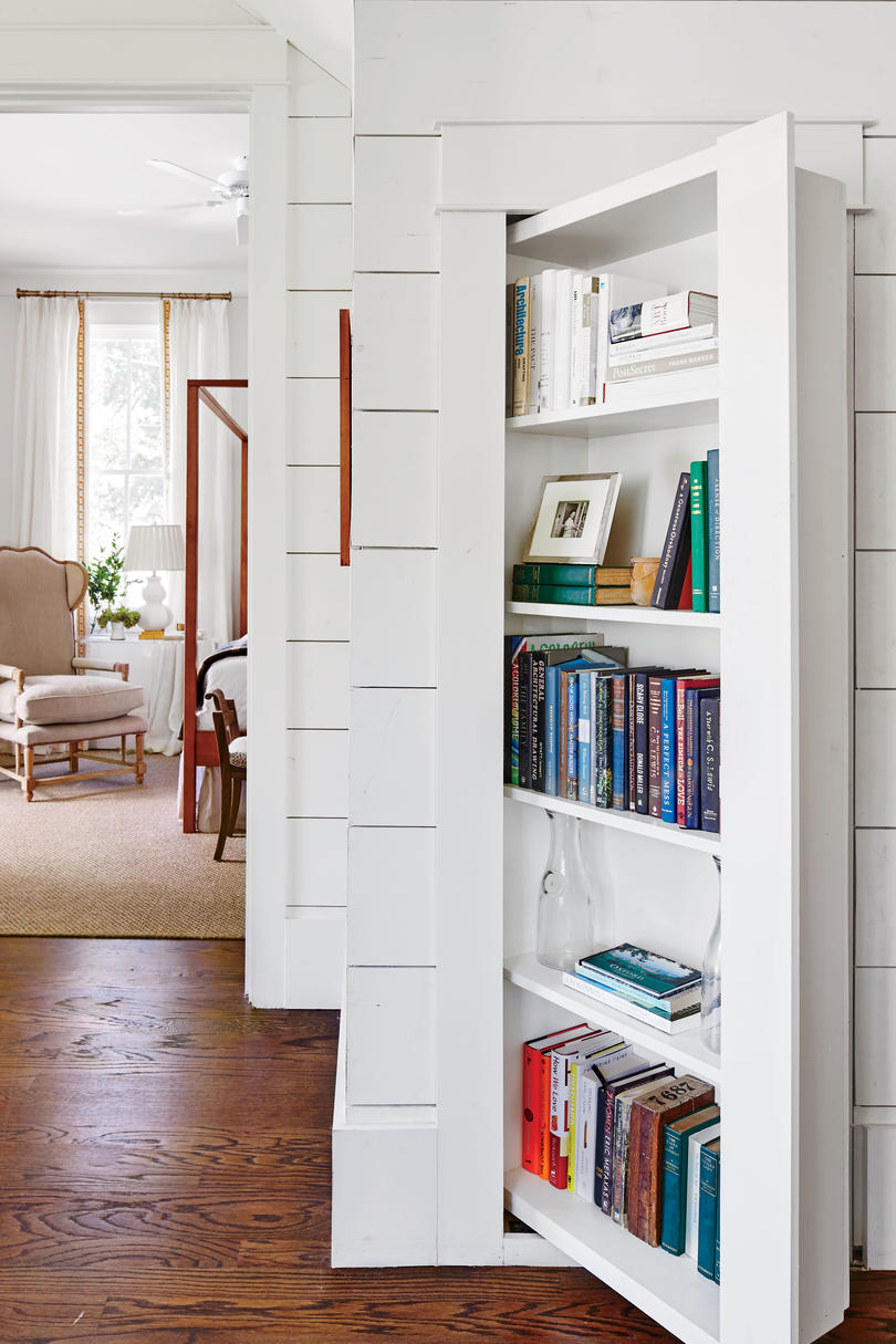 Anna Braund White Cottage Bookshelf