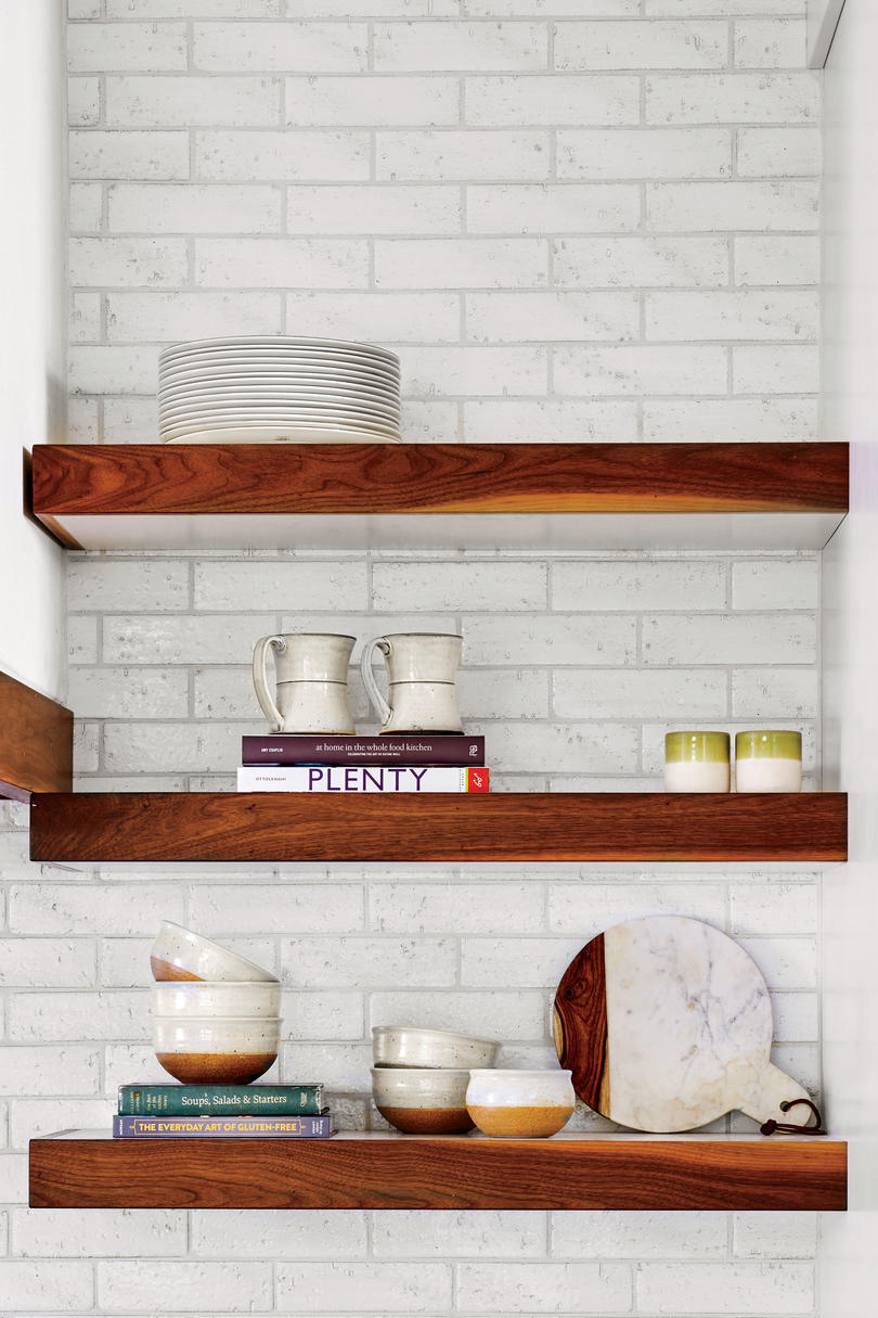 RX_1709_Braund Cottage Open Kitchen Shelving