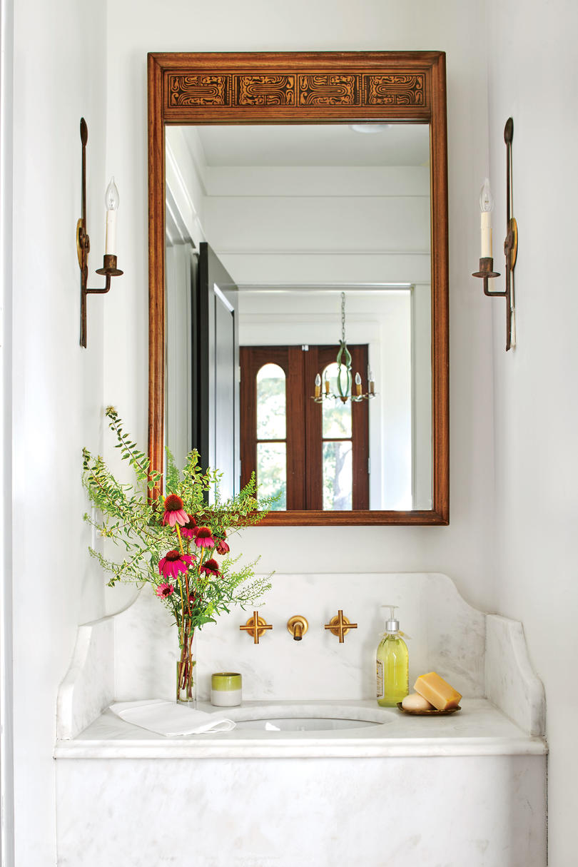 Anna Braund White Cottage Powder Room