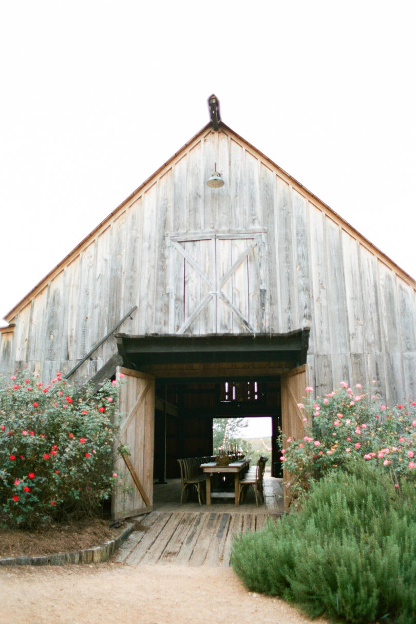 25 Breathtaking Barn Wedding Venues