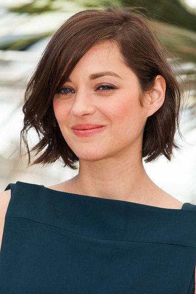 The Best Short Hairstyles For Oval Faces Southern Living