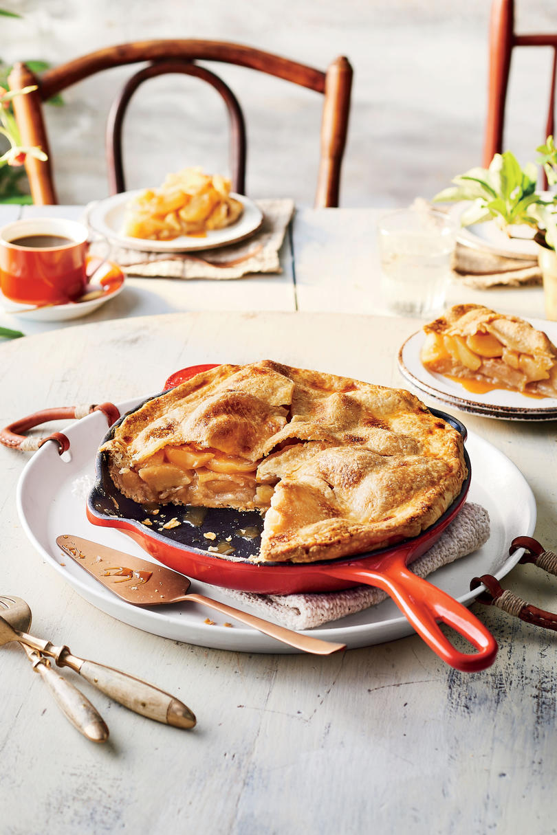 RX_1810 Traditional Recipes To Serve on Thanksgiving_Skillet Caramel Apple Pie