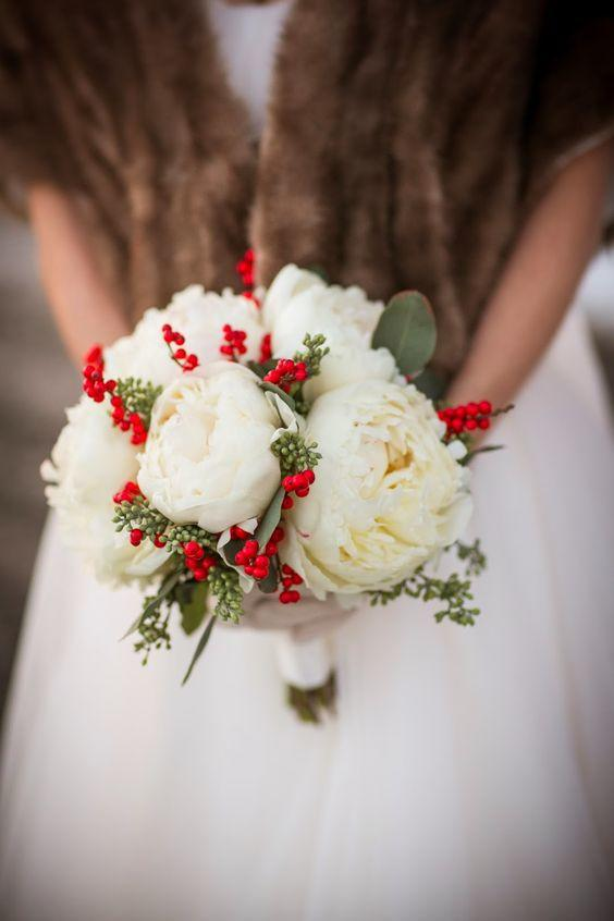 wedding flowers bridal bouquet 2 merry and bright wedding bouquets southern living 9547