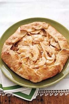 RX_1709_Our Favorite Fall Galette Recipes From Around the Web_Real Simple's Apple-Pear Galette