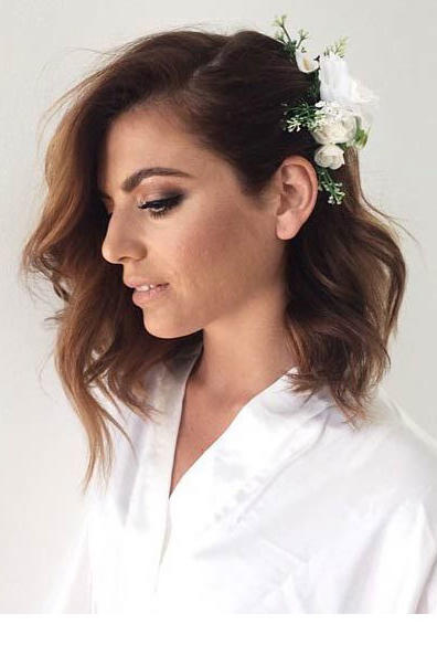 RX_1709_Short Wedding Hairstyles_Curled Lob with Pinned-Back Side