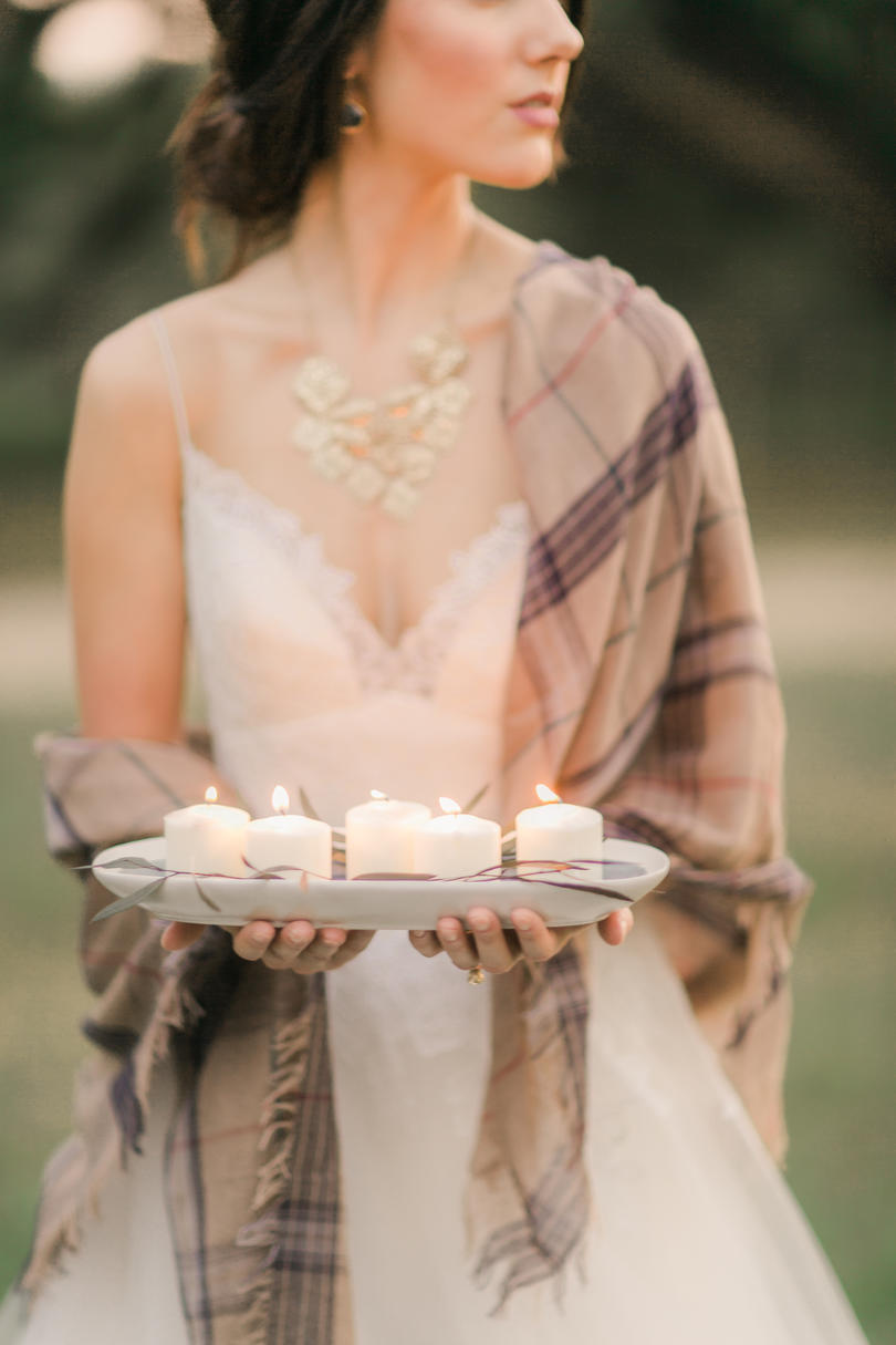 RX_1709_Romantic Wedding Ideas That'll Turn the Farm into a Fairytale_Romantic Warmth of Fall