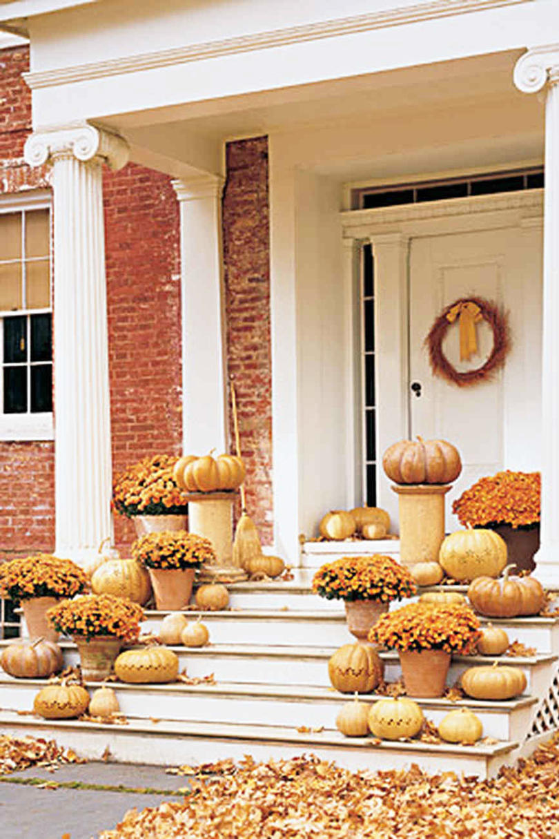 RX_1709_Pumpkin Ideas for Southern Porches_Monotone Display