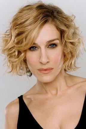 RX_1709_Best Curly Hairstyles for Oval Faces_Stacked Side-Part