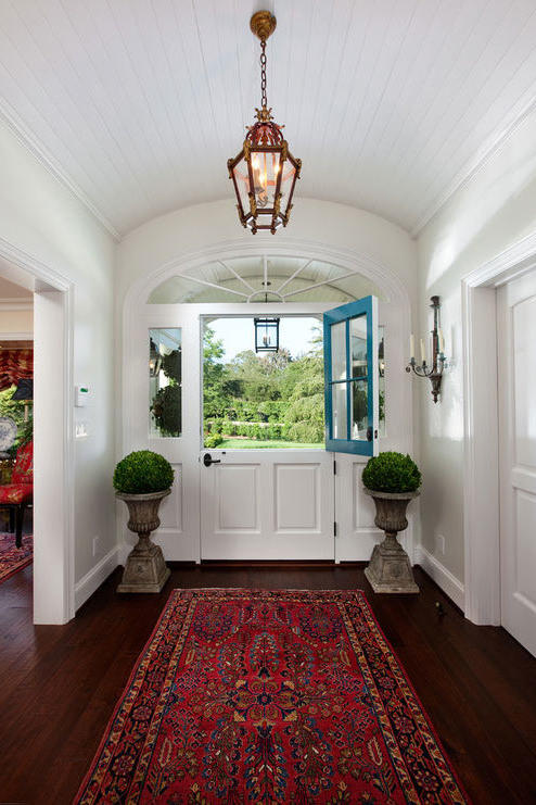 Two-Toned Colonial Entry