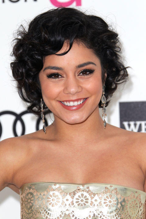 The Best Curly Hairstyles For Round Faces Southern Living - Curly short hair style for round face