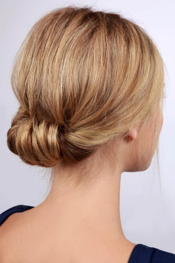 How to make your holiday updo last all night southern living low rolled updo pmusecretfo Images