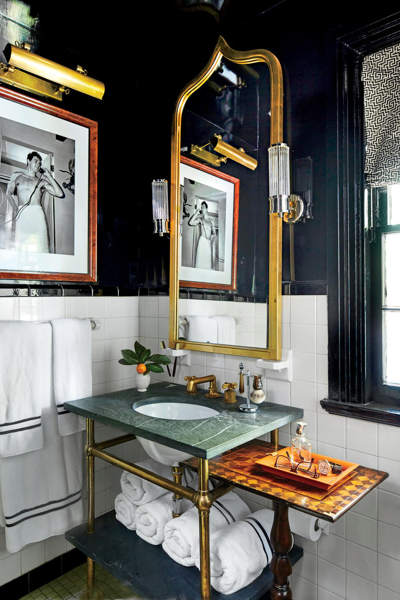 Shaun Smith New Orleans Ranch Guest Bathroom